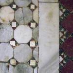 Particolare della decorazione musiva dell'atrio ideata dal barone Giorgio Franchetti © C.C.
